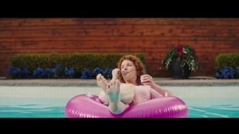 Oui by Yoplait TV Spot, 'Pool'
