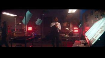 Giorgio Armani Code Absolu TV Spot, 'Cuarto oscuro' con Ryan Reynolds y Elodie Yung [Spanish] - 107 commercial airings