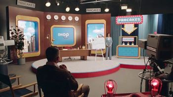 IHOP TV Spot, 'Mira esos panqueques' [Spanish] - Thumbnail 1