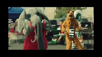 Rocket Mortgage TV Spot, 'Home Is Your Game Day Gathering Place: Cornhole'