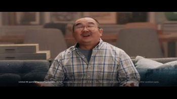 DIRECTV 4K HDR TV Spot, 'So Vivid' Featuring Peyton Manning - Thumbnail 5