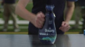 Downy WrinkleGuard TV Spot, 'Wrinkle Assistant' Featuring Jim Harbaugh - Thumbnail 9