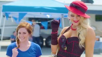Domino's TV Spot, 'Tailgate: Five Crust Options for $7.99' Featuring Lacey Evans - Thumbnail 5