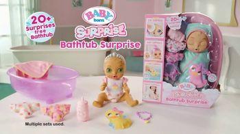 BABY born Surprise Bathtub Surprise TV Spot, 'Filled With Surprises' - Thumbnail 8