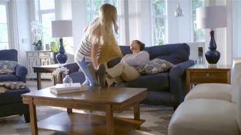 La-Z-Boy Fall Into Savings TV Spot, 'Special Piece: Free Design Services' - Thumbnail 4