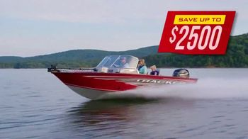 Bass Pro Shops Model Year-End Clearance TV Spot, 'Remaining 2019 Tracker and Sun Tracker Boats' - Thumbnail 3