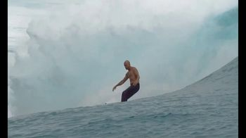 Outerknown S.E.A. Jeans TV Spot, 'For Life' Featuring Kelly Slater - Thumbnail 7