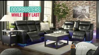 Ashley HomeStore Stars & Stripes Event TV Spot, 'Final Days: Doorbuster' Song by Midnight Riot - Thumbnail 3