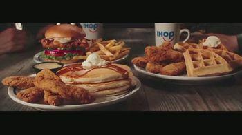 IHOP Chicken & Pancakes TV Spot, 'Trojan Chicken' - Thumbnail 7