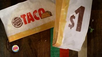Burger King $1 Taco TV Spot, 'Taco-bout la gran sorpresa' canción de Lipps, Inc. [Spanish] - Thumbnail 3