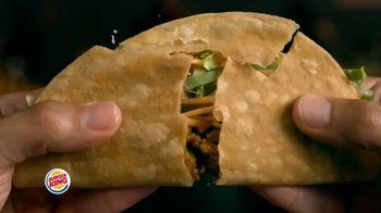 Burger King $1 Taco TV Spot, 'Taco-bout la gran sorpresa' canción de Lipps, Inc. [Spanish] - Thumbnail 5