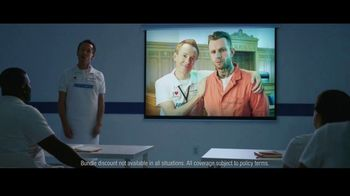 Progressive TV Spot, 'Jamie Abroad' - Thumbnail 6