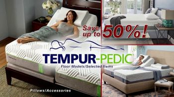 Relax the Back Clearance Sale TV Spot, 'Zero Gravity Recliners, Massage Chairs and Custom Pillows' - Thumbnail 6