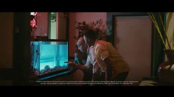 Chase Private Client TV Spot, 'Crab Shack' Song by Basement Jaxx - Thumbnail 3
