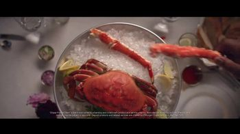 Chase Private Client TV Spot, 'Crab Shack' Song by Basement Jaxx - Thumbnail 4