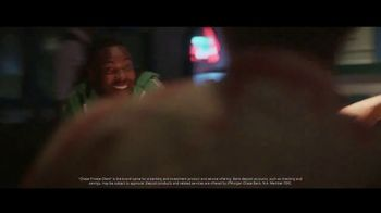 Chase Private Client TV Spot, 'Crab Shack' Song by Basement Jaxx - Thumbnail 5