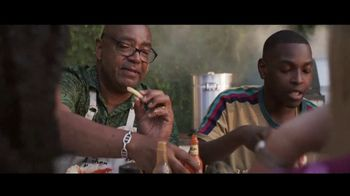 Chase Private Client TV Spot, 'Crab Shack' Song by Basement Jaxx - Thumbnail 8
