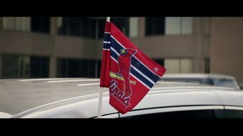 GEICO TV Spot, 'Baseball Rivals Fight for a Parking Space' - Thumbnail 4
