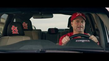 GEICO TV Spot, 'Baseball Rivals Fight for a Parking Space' - Thumbnail 9