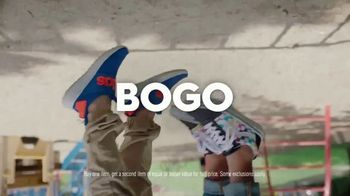 Famous Footwear TV Spot, 'Back to School: Lights BOGO' - Thumbnail 7