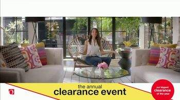 Overstock.com Annual Clearance Event TV Spot, 'Table Runner' - Thumbnail 7