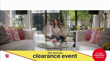 Overstock.com Annual Clearance Event TV Spot, 'Table Runner' - Thumbnail 8
