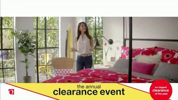 Overstock.com Annual Clearance Event TV Spot, 'Table Runner' - Thumbnail 9