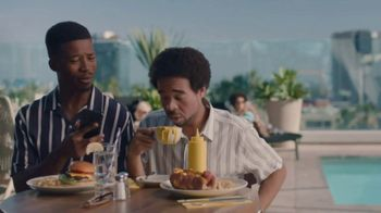 Hotel Tonight Daily Drop TV Spot, 'A Hard Deal to Deal With: Mustard' - Thumbnail 5