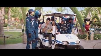 USAA Bank TV Spot, 'Mini Golf' - Thumbnail 8