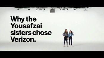 Verizon TV Spot, 'Yousafzai Sisters: Samsung Galaxy S10e' - Thumbnail 3