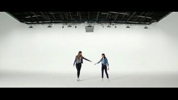 Verizon TV Spot, 'Yousafzai Sisters: Samsung Galaxy S10e' - Thumbnail 5