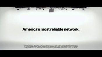 Verizon TV Spot, 'Yousafzai Sisters: Samsung Galaxy S10e' - Thumbnail 8