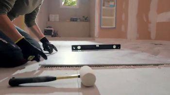 The Home Depot TV Spot, 'Baño nuevo: tocadores' [Spanish] - Thumbnail 7