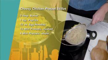 Perdue Farms Fresh Cuts TV Spot, 'Ion Television: Cheesy Chicken Pretzel Skillet' Featuring Lauren O'Quinn - Thumbnail 7