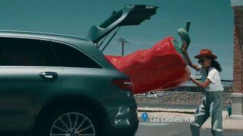 2019 Mercedes-Benz GLC 300 TV Spot, 'Attractions' [T2] - Thumbnail 4