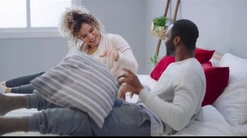 Mattress Firm Venta de Memorial Day TV Spot, 'King a precio Queen: base ajustable' [Spanish] - Thumbnail 2