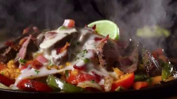 Applebee's Loaded Fajitas TV Spot, 'Hit Me With Your Best Shot' Song by Pat Benatar - Thumbnail 8
