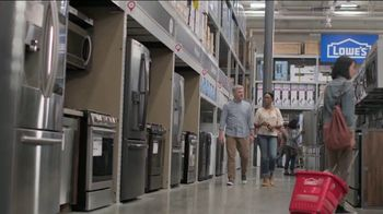 Lowe's Memorial Day Sale TV Spot, 'Whirlpool Laundry Pair' - Thumbnail 3