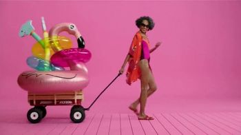 Target TV Spot, 'Los sorprenderé' canción de Carlos Vives [Spanish] - Thumbnail 8