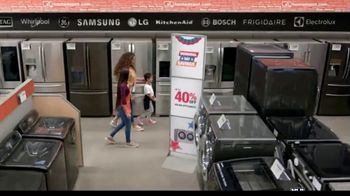 The Home Depot Memorial Day Savings TV Spot, 'Fuel Your Team: Samsung Laundry Pair' - Thumbnail 4