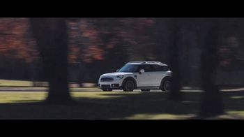 MINI USA Born to Drive Sales Event TV Spot, 'Born to Drive' [T2] - Thumbnail 7