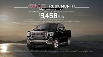 GMC Truck Month TV Spot, 'Jaw Drop' [T2] - Thumbnail 8
