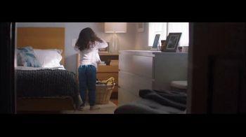 Ultra Downy Free & Gentle TV Spot, 'Ponerse la ropa' canción de Angelo De Augustine [Spanish] - Thumbnail 1