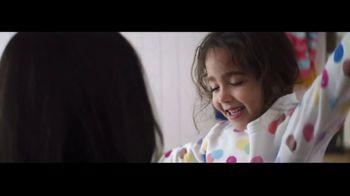 Ultra Downy Free & Gentle TV Spot, 'Ponerse la ropa' canción de Angelo De Augustine [Spanish] - Thumbnail 9
