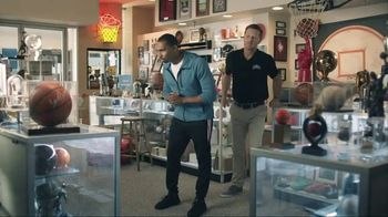 AT&T Wireless TV Spot, 'Basketball Fan' - Thumbnail 1