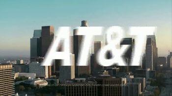 AT&T Wireless TV Spot, 'Basketball Fan' - Thumbnail 9
