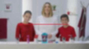 Colgate TV Spot, 'Univision: cepilla, enjuaga y usa hilo dental' con Karla Martínez [Spanish] - Thumbnail 1
