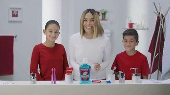 Colgate TV Spot, 'Univision: cepilla, enjuaga y usa hilo dental' con Karla Martínez [Spanish] - Thumbnail 3