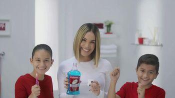 Colgate TV Spot, 'Univision: cepilla, enjuaga y usa hilo dental' con Karla Martínez [Spanish] - Thumbnail 6