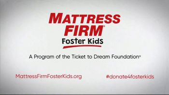 Mattress Firm Foster Kids TV Spot, 'Bedtime Books, Toys and Pajamas' - Thumbnail 9